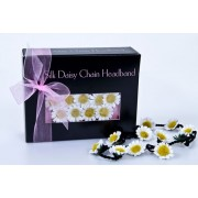 Daisy Chain with 25 flowers & ribbon