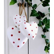 White Spotty Heart, Medium